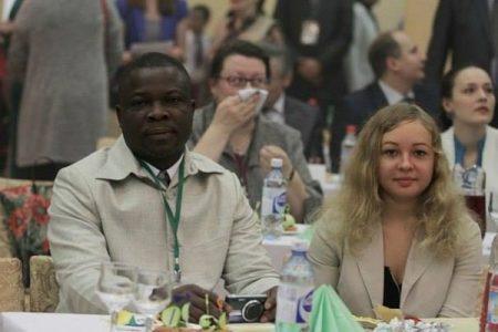 Bertin Koovi Segbowe ha representando a Guinea Ecuatorial en el Foro Económico