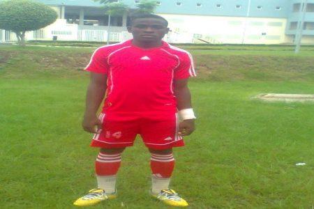 "Wenceslao Afugu Nkogo ""Lolín"" marca dos goles al Atlético Malabo"