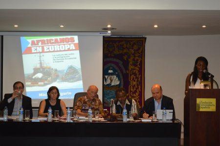 """Exitosa presentación de la obra """"Africanos en Europa"""" de Michael Ugarte"""