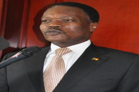 Nicolas Obama Nchama llama a consultas al Embajador de Camerún en Malabo