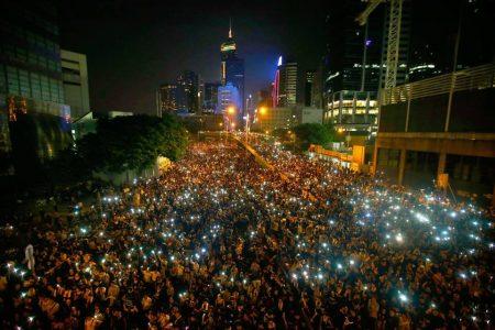 Continúan las masivas protestas estudiantiles pro democracia en Hong Kong