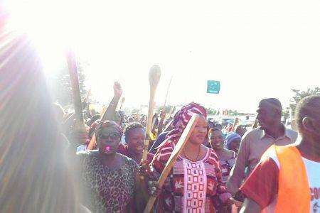 Las Fuerzas Armadas de Burkina Faso se niegan a disparar a los manifestantes