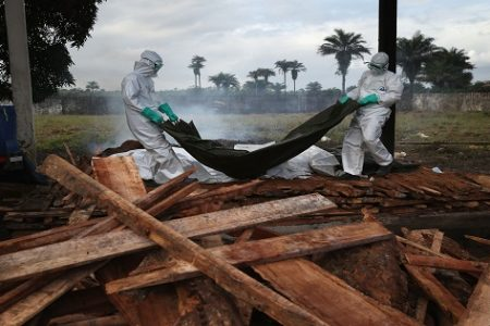 Guinea Ecuatorial sí se atreve con el ébola