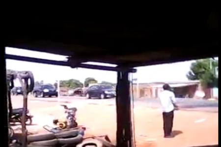 Vídeo: La huida del ex Presidente Blais Campaoré junto a su familia