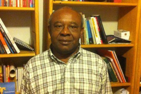 Donato Ndongo recibe el I Premio de Literatura africana en español 'Amadou Ndoye'