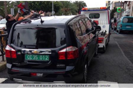 La Policía Local denuncia al cónsul de Guinea por un coche sin papeles