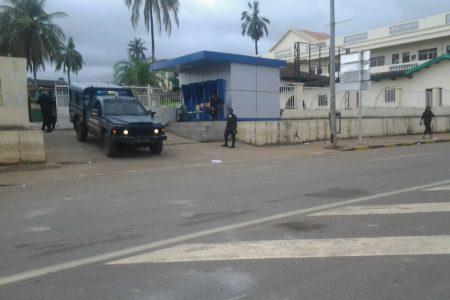 La UNGE controlada por el Ejército y la Policía Nacional «ni entra ni sale nadie»