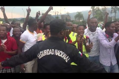 La manifestación se suspende y Obiang convoca a los muchachos