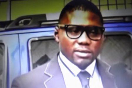 Dialo Coulibaly hospedado en el Hotel Ibis-Malabo a cuerpo de Rey