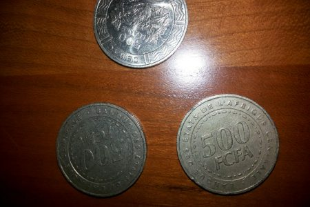 MONEDAS DE 500 Frcfa, un problema de transacción en Guinea Ecuatorial