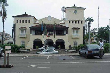 El equipo de barrenderos y barrenderas del ayuntamiento sufre bajas mortales