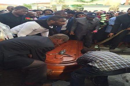 Entierran a D. Bonifacio Nguema Esono Nchama (imágenes)
