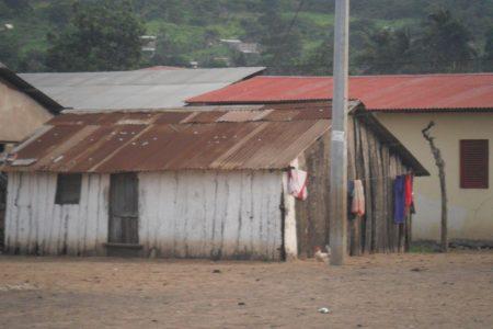 """Teodoro Obiang Nguema, promete la construcción de cincuenta """"viviendas sociales en Annobón"""""""