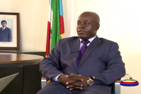"""El Fiscal General de Guinea Ecuatorial """"intentando explicar su función"""""""