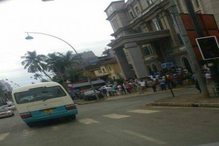 Los trabajadores de Somagec se concentran frente al Ministerio de Trabajo