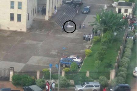 Una milicia Guineana atraca el Palacio de Justicia (Malabo) y asesinan a un sereno