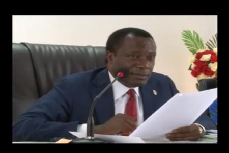 Vídeo: Filiberto Ntutumu cuestiona la gestión de Obiang Nguema en materia de Educación