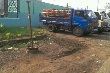Largas colas en la Central Turbo Gas (Punta Europa) para comprar Gas Butano