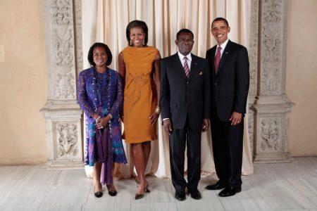 Vídeo: Barack Obama «no entiendo por qué permanecéis tanto tiempo en el Poder»