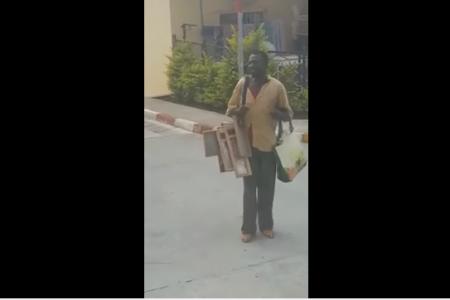 Vídeo: Un ecuatoguineano canta lamentando su situación economía en Buena Esperanza