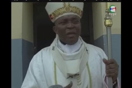 El Monseñor Juan Nsue Edjang detecta poca fe en Annobón a pesar de sus infraestructuras