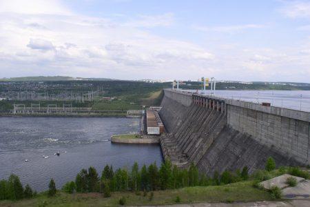 Los chinos construyeron una Central eléctrica en Bata pero no previeron un embalse