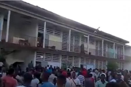 """Consigna de los electores congoleños: """"Voto y me Quedo"""""""