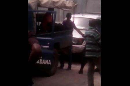 Vídeo: La Policía Nacional tortura a un extranjero para que confiese su crimen