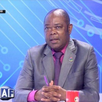El Ministro de Educación se burla de los estudiantes annoboneses en el Parlamento Nacional