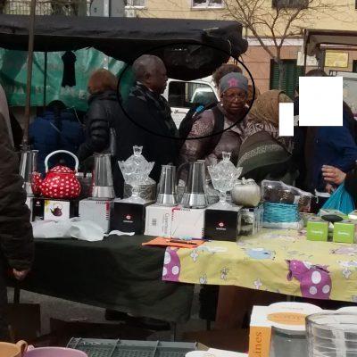 Evuna Owono Asangono pillado comprando en el mercadillo de Carabanchel-Madrid