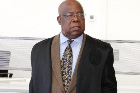 Un presidente del Tribunal Constitucional de Guinea Ecuatorial, digno de toda sospecha