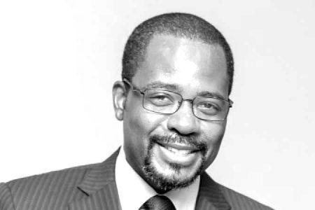 """Gabriel Mbega Obiang se persona como acusación particular contra el excomisario Villarejo por la """"operación Tándem"""